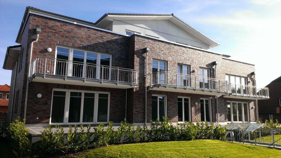 Mehrfamilienhäuser mit je 5 und 8 Wohneinheiten